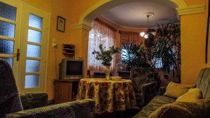 a Vendég-lak nappalija